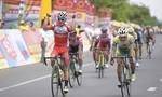 Giải xe đạp Truyền hình Bình Dương: Tay đua trẻ đoạt áo vàng