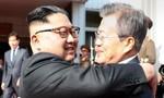 Tổng thống Hàn Quốc và ông Kim Jong Un bất ngờ gặp nhau