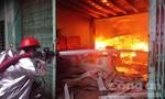 Cụm công nghiệp Quang Trung cháy lớn lúc sáng sớm