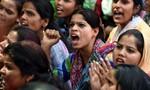 'Dậy sóng' 2 thiếu nữ bị cưỡng hiếp tập thể, 1 người tự tử