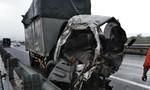 Xe khách nổ lốp trên cao tốc trong cơn mưa, 5 người thương vong