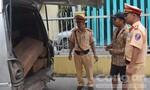 Cảnh sát giao thông liên tiếp bắt gỗ lậu quý hiếm