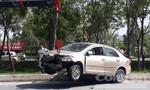 Ô tô va chạm với xe cứu hỏa đi làm nhiệm vụ, 4 người thót tim
