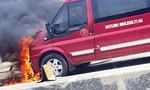 Xe khách tông xe máy bốc cháy, hai vợ chồng tử nạn