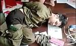 Tướng công an cùng đồng đội quật ngã tên cướp khống chế con tin