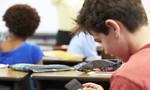 Pháp cấm học sinh mang smartphone tới trường