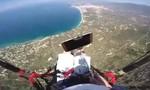 Clip đang chụp 'tự sướng' ở độ cao 800m thì đánh rơi smartphone