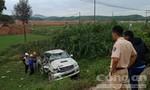 Tàu hỏa tông ô tô nát bét, 2 người thương vong