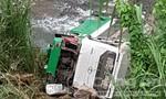 Xe khách chở 44 người lao xuống đèo Lò Xo, ít nhất 21 người thương vong