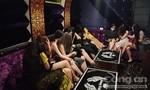 Lại phát hiện quán karaoke không phép có tiếp viên ngồi cùng khách