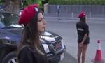 Nữ cảnh sát Lebanon mặc quần short ngắn để... thu hút du lịch