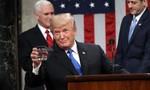Tổng thống Mỹ chấm dứt hy vọng về luật nhập cư chỉ bằng câu nói trên mạng