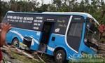 Xe khách tông liên hoàn ô tô 4 chỗ và xe đạp điện, 2 người chết