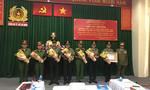 Nước Lào tặng huân chương cho Công an TP.HCM