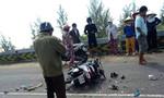 Xe máy chở hai mẹ con tông xe tải, người mẹ tử nạn