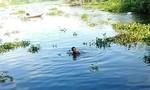 Bé trai đuối nước thương tâm vì cứu…chú chó