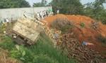Xe tải tông xe ba gác, 2 cha con tử vong tại chỗ