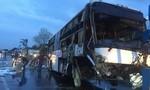 Xe khách lật lúc trời mưa, 2 người chết, 7 người bị thương