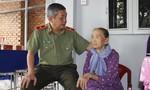 Công an TP.HCM thăm các gia đình chính sách nhân ngày 27-7
