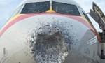 Máy bay Trung Quốc suýt rơi vì dính mưa đá trên không
