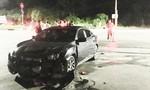 Ô tô và xe máy húc nhau ở giao lộ, 2 người chết