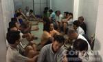 Đột kích trường gà ven Sài Gòn, bắt giữ gần 30 con bạc