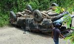 Lật xe chở gỗ lậu, 2 người tử vong tại chỗ