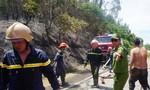 Hàng trăm người nỗ lực chữa cháy rừng tràm dưới nắng 40 độ