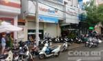 Khống chế thanh niên mang dao xông vào ngân hàng ở Sài Gòn