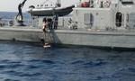 Giải cứu một phụ nữ sau 10 giờ ngã từ du thuyền xuống biển
