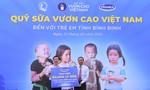 Tiếp tục trao 64.000 ly sữa cho trẻ em tỉnh Bình Định