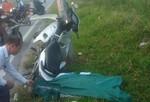 """Thanh niên tử vong bên cạnh xe máy """"dính"""" vào cột điện"""