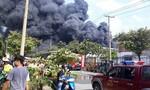 Cháy dữ dội trong khu công nghiệp ở Sài Gòn