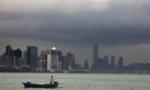 Hong Kong đón siêu bão Mangkhut mạnh nhất trong lịch sử đổ bộ