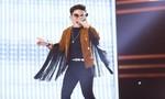 Sân khấu The Voice Kids nóng với tiết mục của cậu bé mang 'đôi giầy có cánh'