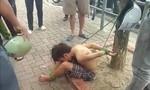 Bé trai bị trói vào gốc cây gây xôn xao