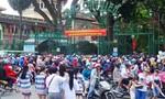 Đông nghẹt người tại các khu vui chơi giải trí ở TP.HCM