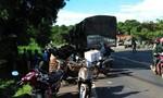 Xe tải tông người phụ nữ đi xe máy văng xuống mương, tử vong
