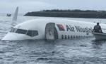 Máy bay lao xuống đầm, toàn bộ 57 người thoát chết kỳ diệu