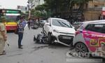 Hiện trường xe 'điên' tông hàng loạt xe máy, nhiều người bị thương