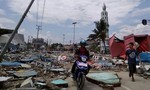 Động đất phá hủy nhà tù ở Indonesia, hàng trăm tù nhân vượt ngục
