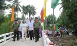 Khánh thành cầu nông thôn dịp khai giảng năm học mới