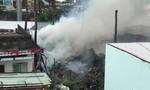 TP.HCM: Cháy lớn tại khu nhà dưới chân cầu Bình Lợi