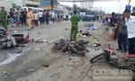 """Xe container """"lùa"""" hơn 20 xe máy dừng đèn đỏ, ít nhất 4 người chết, 17 người bị thương"""