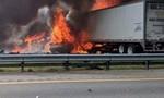 Xe container chở dầu gặp tai nạn trên cao tốc, 7 người thiệt mạng