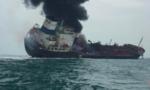 Tàu chở dầu cắm cờ Việt Nam cháy ở Hong Kong, 1 người chết