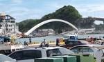 Clip sập cầu treo ở Đài Loan, ít nhất 20 người bị thương