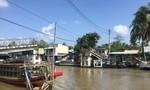 Sà lan chở gạo tông sập cầu kênh Đứng, giao thông chia cắt