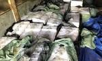 CSGT kiểm tra xe tải vi phạm, phát hiện 24.000 gói thuốc lá lậu