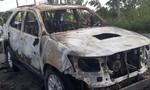 Xe Fortuner cháy rụi khi đang lưu thông